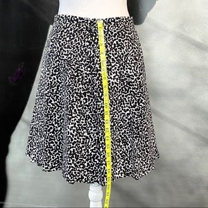 Banana Republic Factory Skirts - Banana Republic leopard print skirt